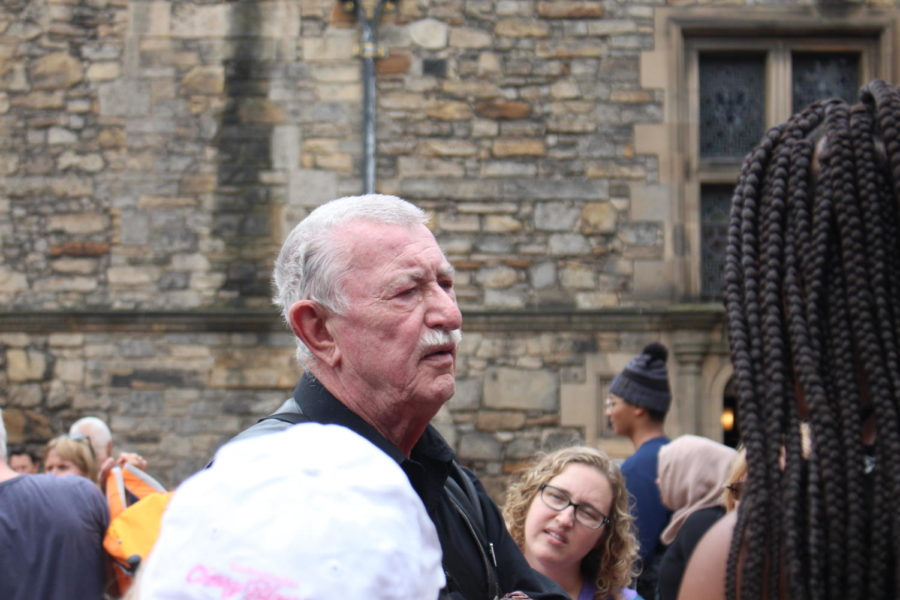 local guide David Stalker shares the history of Edinburgh Castle