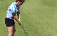 Golfers play at Paradise Pointe
